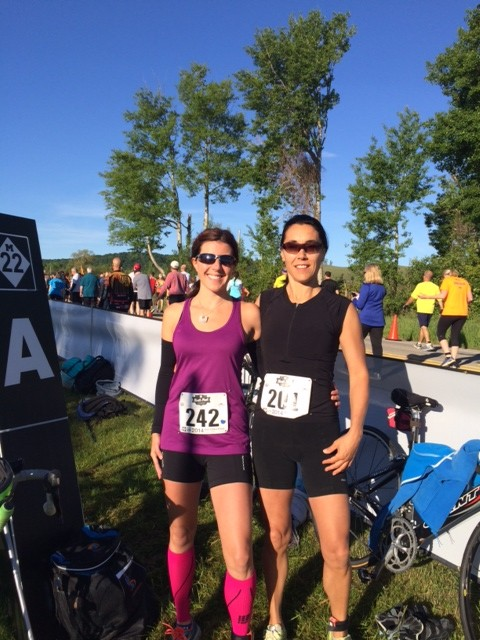 Jen and me just before the race started. Look at that blue sky!