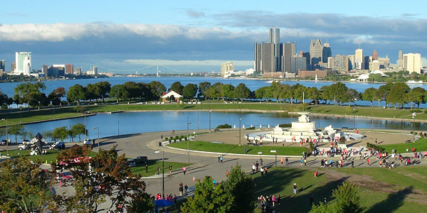 The Detroit Women's Half Marathon & 5K is set for this weekend, Sept. 20-21, 2014 in Detroit. Promoting heart health is an important part of this race.